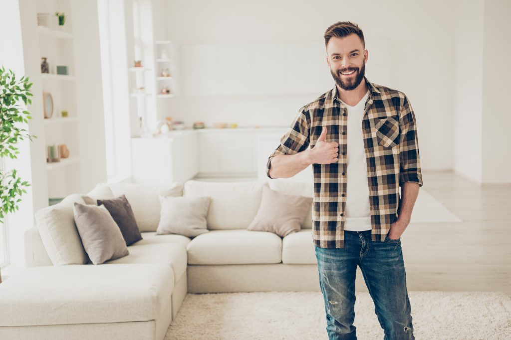 Paying less and saving for his future thanks to mortgage refinancing to a lower rate